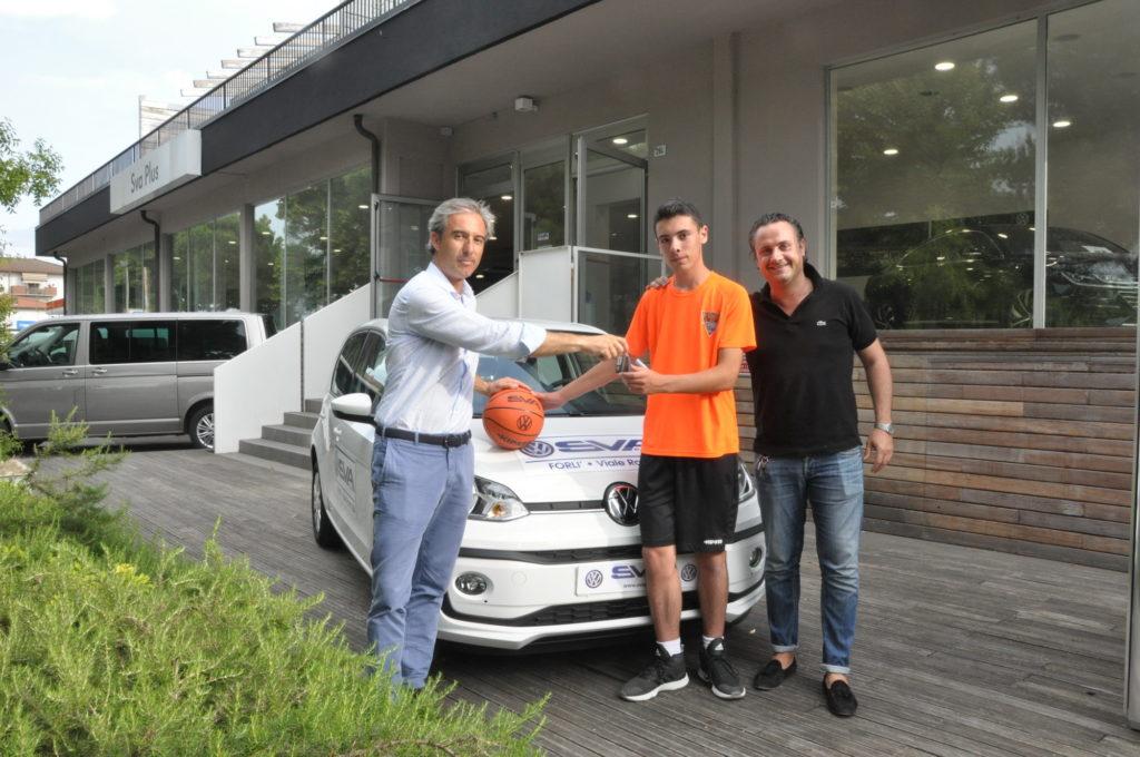 Consegnata la Volkswagen UP vinta con il Magic Shot